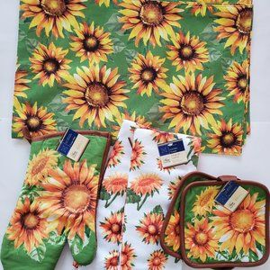 Other - Sunflower Kitchen Decor 9pc, placemats towels mitt